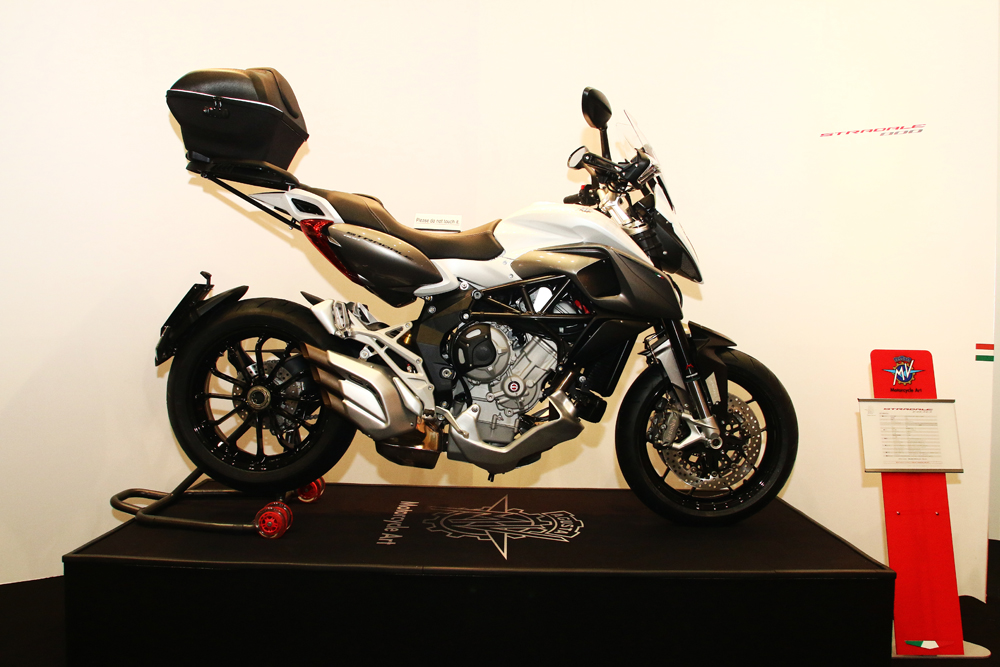 mv agusta japan booth - 01 のコピー